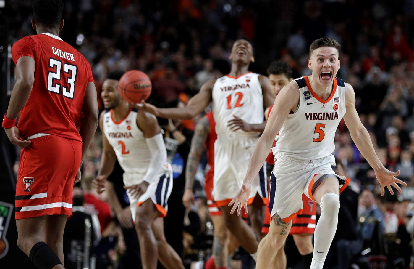 Virginia Cavaliers win the 2019 March Madness Championship.