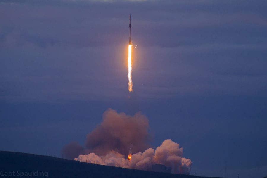 The+launch+of+the+%E2%80%9CRoadster%E2%80%9D+proved++successful+even+though+Musk+had+doubts.+This+may+pave+the+way+for+future+Mars+exploration.